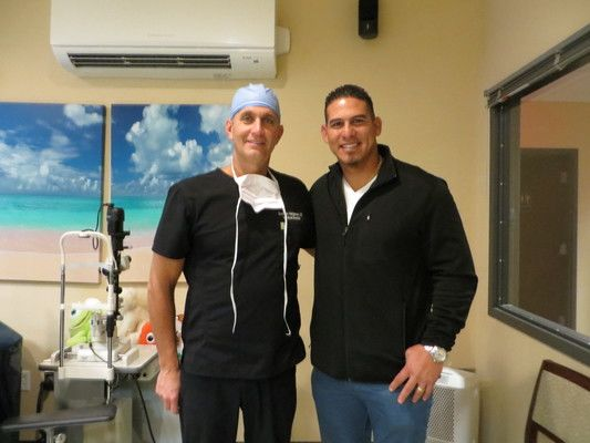 Dr. Holzman with Washington Nationals catcher, Wilson Ramos