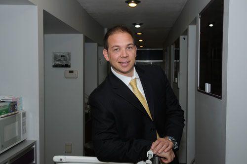 Dr. Jason Hecht