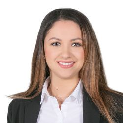 Fernanda Kretzer, Legal Assistant