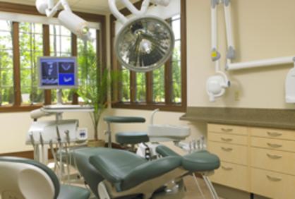 Tischler Dental's surgical suite