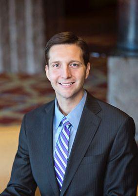 Dr. Dustin Heringer