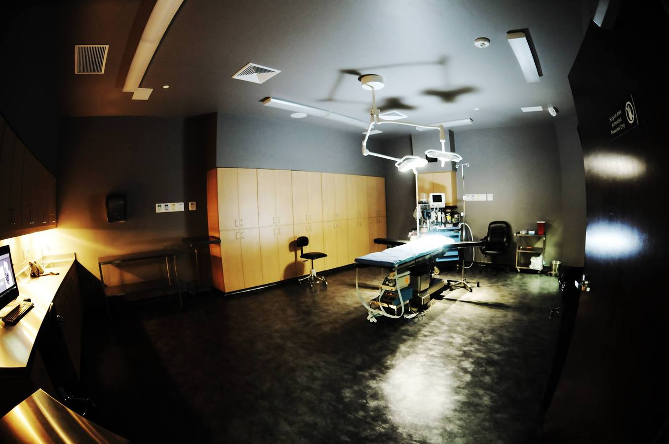 Jones Plastic Surgery Surgical Room