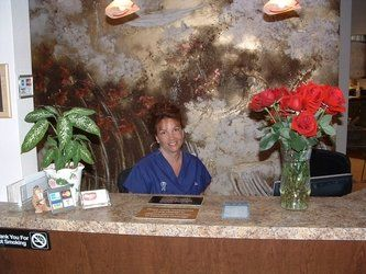 Desert Dental Alternatives front desk and receptionist