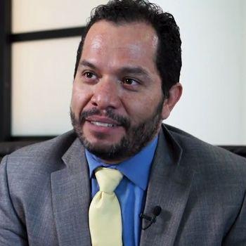 Dr. Fernando García