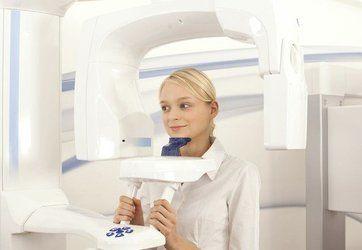 Patient demonstrating 3D dental scanner