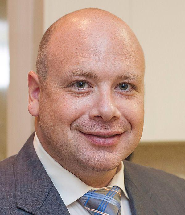 Dr. Brett Hester