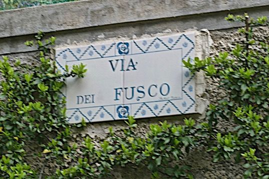 Dr. Fusco sign in Italy