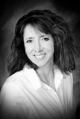 Dr. Leslie Paris