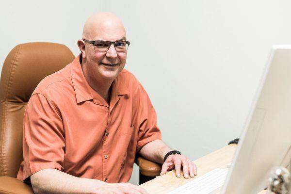 Dr. David Jayne