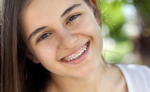 Young girl wearing braces